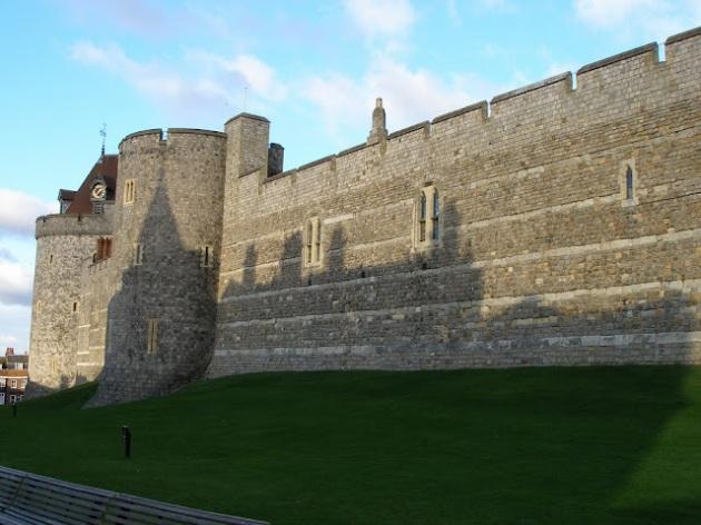 Schatten des Glockenturmes auf dem Schloss Windsor