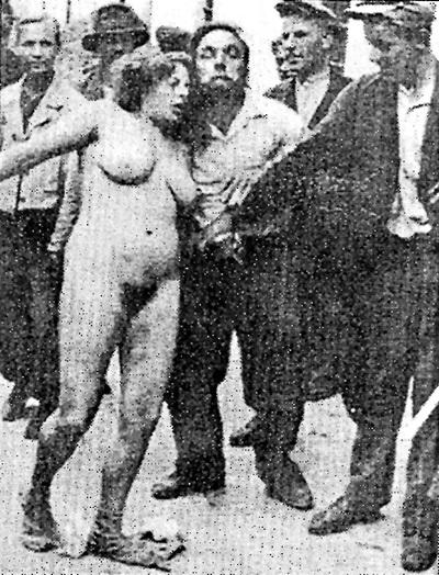 Als im Sommer 1941 Lwow genommen wurden, führten die Banderowzy ein Massaker an Polen und Juden durch. Die Frauen wurden vor der Erschießung vergewaltigt und nackt durch die Straßen geführt.