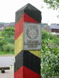 DDR-Grenzpfosten